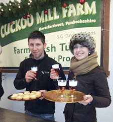 Me-and-friend-at-Christmas-Farm-Gate-Sale-with-mince-pies