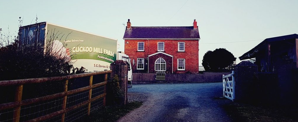 Farmhouse & lorry